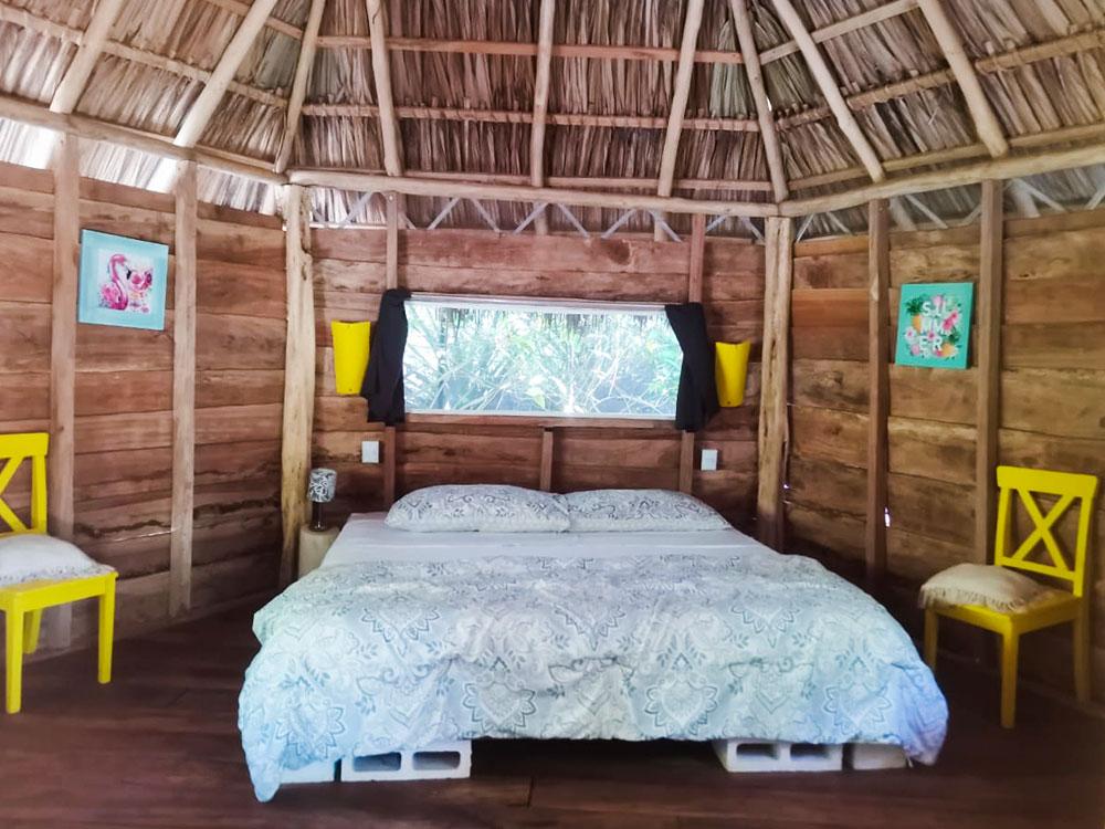 glamping costa rica flor y bambu playa grande casita de madera mimosa (1)