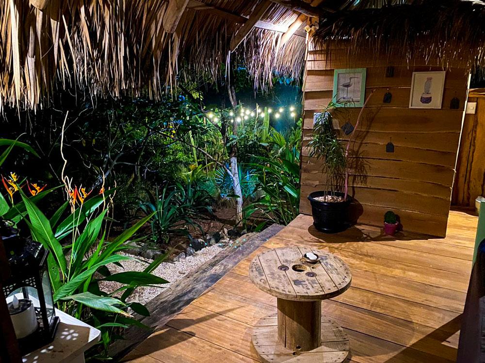 glamping costa rica flor y bambu playa grande casita salsita (3)